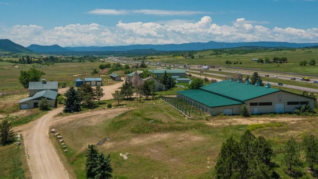 Bell Mountain Ranch Equestrian Center Horse Boarding