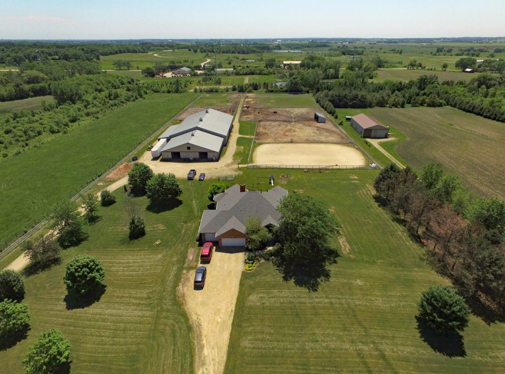 horse farms for sale or lease in marengo illinois