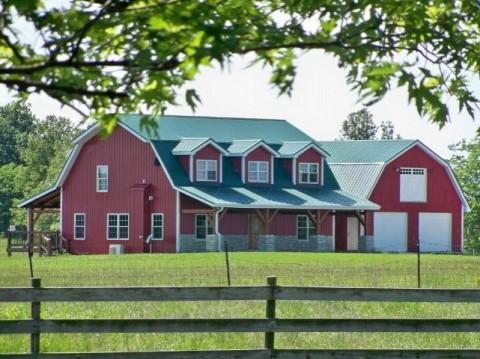 Midwest Custom Timber Frames - Barn Construction Contractor in